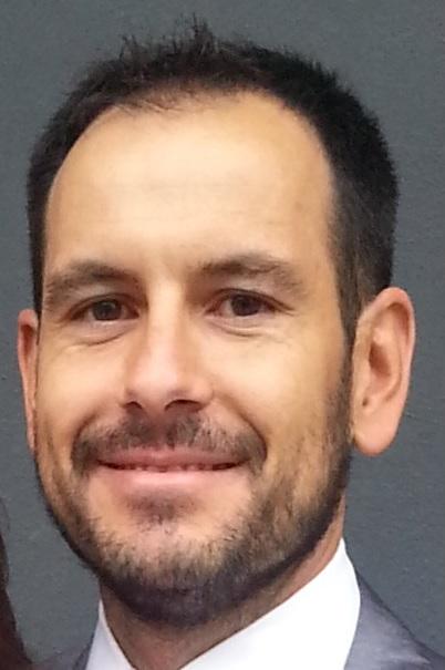 Dr. Álvaro García